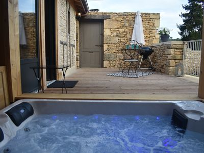 Photo for SARLAT PÉRIGORD Country house, SPA, 1 bedroom, 2 pers, not overlooked, WIFI