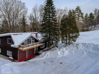Photo for Cozy ski-in/ski-out chalet w/ a gas fireplace & full kitchen - dogs welcome!
