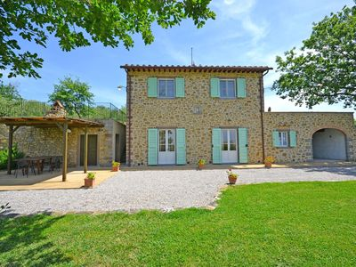 Photo for Private Villa with private pool, WIFI, TV, terrace, panoramic view, parking, close to Cortona
