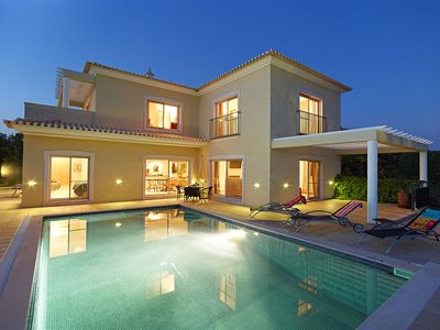 Photo for 3 bedroom Villa, sleeps 6 in Alcantarilha with Pool, Air Con and WiFi