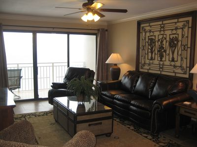 D-1006 Family Room-Stay in a Beautiful Unit on Your Next Beach Vacation!