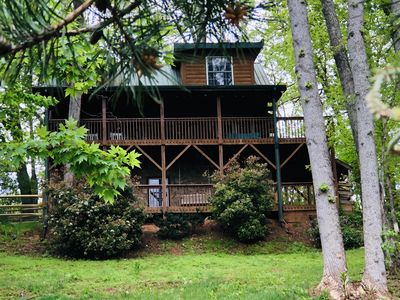 Three story log cabin with 2 decks and awesome views!