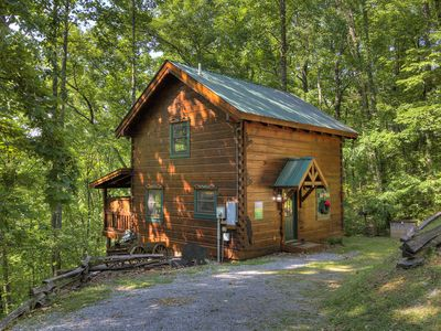 Photo for 1 Bedroom Pigeon Forge Cabin in the Wears Valley Area with Jacuzzi & Hot Tub