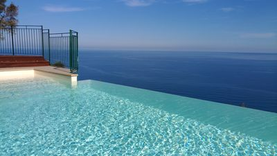 Photo for INFINITY POOL IN EXCLUSIVE ONLY FOR TWO LOVERS........