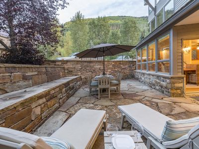 Photo for Large Comfortable Condo on 1 level, Spacious stone patio, 5 min to Skiing