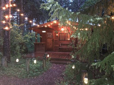Fancy Fireflies - Charming studio cabin amidst the trees right on Lake Hayward!