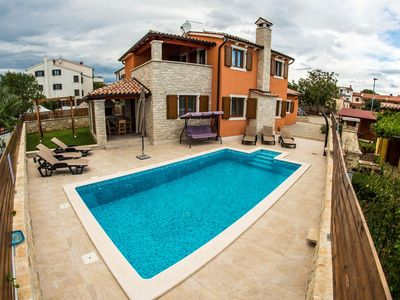 Photo for Holiday house Vodnjan for 1 - 6 persons with 3 bedrooms - Villa