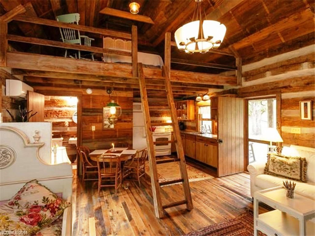 Cozy One Room Cabin With Sleeping Loft