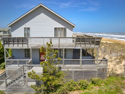 Photo for D4305 Ashleigh's Retreat. Panoramic OCEANFRONT Views, Linens, Keyless Entry!