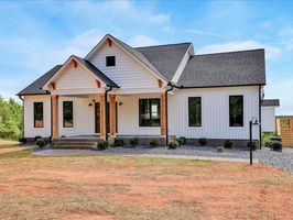 Photo for 2BR House Vacation Rental in Arvonia, Virginia