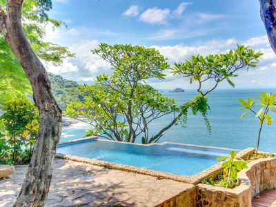 Long-term discounts: beachfront hideaway features private pool and ocean views!