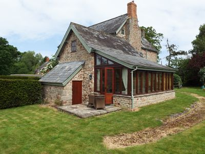 Photo for THE GRANARY, pet friendly, with a garden in Walford, Ref 961331