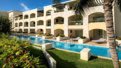 Photo for The Grand Swim-up Suite (831 sq ft) @ Moon Palace Cancun
