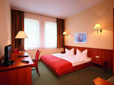 Photo for Classic double room, shower or bath, WC - Parkhotel Neustadt
