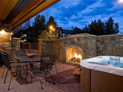 Photo for BL6112 Luxurious Private Courtyard and Hot Tub! Steps to the Pool!
