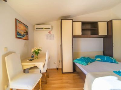 Photo for Studio flat with balcony and sea view Mali Rat, Omiš (AS-7482-b)