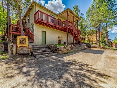 Photo for Deer Crossing: A Family Favorite with 3 Bedrooms and a Private Hot Tub!