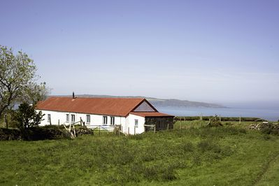 The Stables cottage with panoramic views of the sea