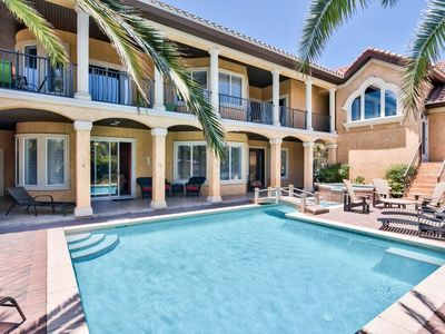 BEST PRIVATE POOL AND GROUNDS IN DESTIN