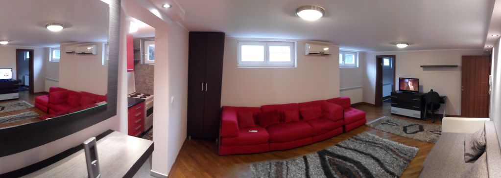 Apartment Dedinje - Free WiFi Free Street Parking - 60 sqm 646 sqft - Entire APT