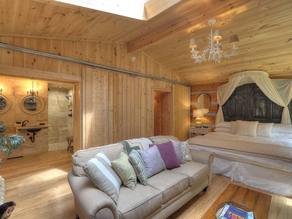 The More The Merrier At Black Bear A 4 Bedroom Smoky Mountain Cabin For The Whole Family