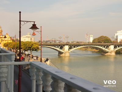 Photo for Betis Blue 2. Apartment with 2-bedrooms and wonderful river views