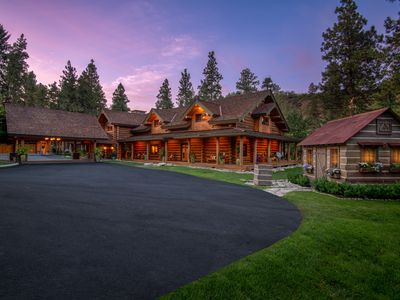 Photo for Luxury River front log home vacation rental Leavenworth, family friendly.