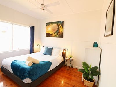 Photo for Bungo Beach House - 4 Bedroom & Pet Friendly! 4+ nights
