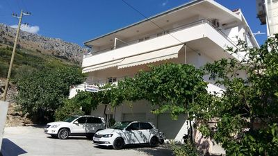Photo for One bedroom apartment with balcony and sea view Sumpetar (Omiš)