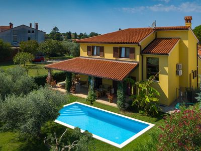 Photo for Holiday house Valbandon for 6 - 8 persons with 4 bedrooms - Villa