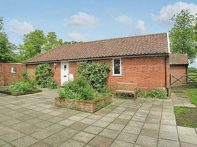 Photo for 2 bedroom property in Woodbridge. Pet friendly.