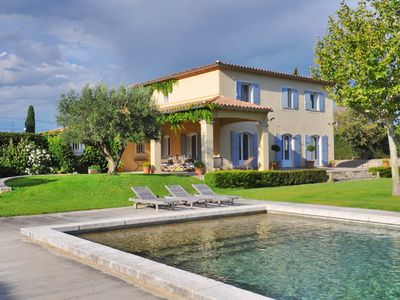 Photo for Magnificent villa in Provence 10min Avignon / pool / 3 bedrooms / air conditioning