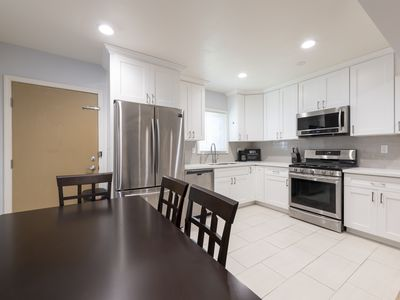 Photo for Cozy Modern 2 Bedroom/ 2 Bath in North Alhambra