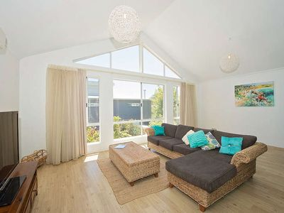 Photo for Beautiful, modern secluded property in the centre of Busselton