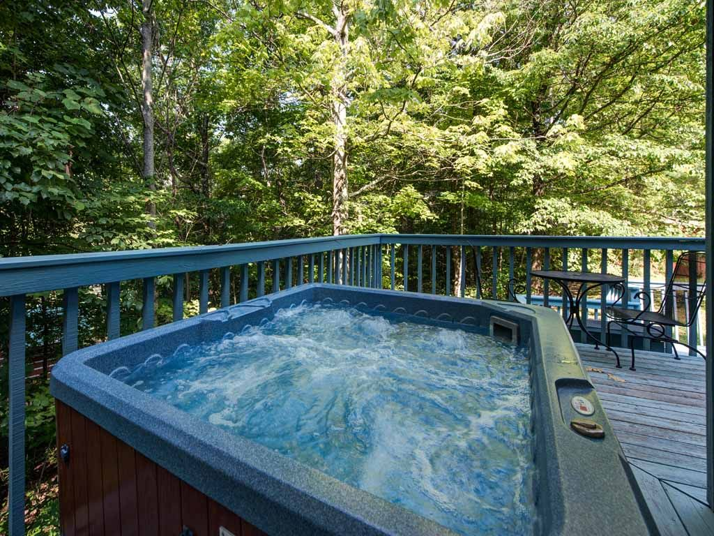 Woodsong, 1 Bedroom, Sleeps 2, Hot Tub, Woo... - VRBO