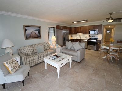 Photo for Cabana Beach Club #2: 2 BR / 2 BA Resort on Longboat Key by RVA, Sleeps 6