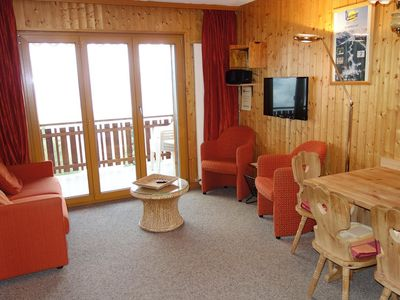 Photo for 3* Apartment  for 4 people located at about 700m from the gondola in a calm and sunny. Entrance hall
