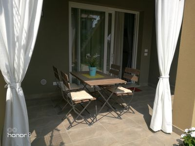 Photo for new apartment with garden and swimming pool 3 km from the center of Peschiera del Garda