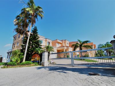 Photo for Three bedroom three bath house with private swimming pool and bay view!
