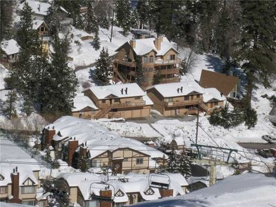 Mountain View - FREE Ski/Board Rental! 4BR/2BA/Walk to Slopes/Exquisite Views/WiFi/Shared Hot Tub