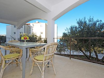 Photo for VARGA 1 spacious apartment with 3 bedrooms, 50m from the pebble beach