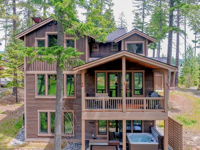 Photo for Walk to the Winery! On the Golf Course in Suncadia! Hot Tub | Up to 33% Off!!