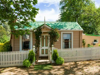 Photo for Teacup Cottage Castlemaine