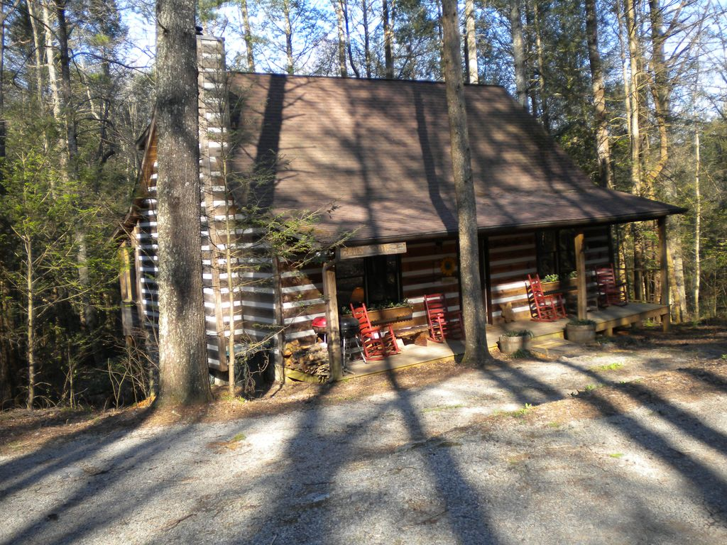 Come Enjoy A Cozy Fireside Cabin Getaway 99 Winter Rates Wi Fi