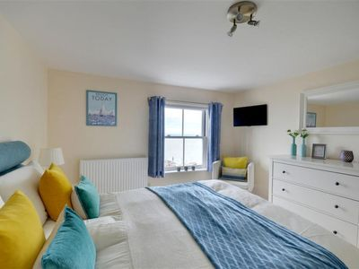 Photo for Apartment Horizons in Barnstaple and Braunton - 4 persons, 2 bedrooms