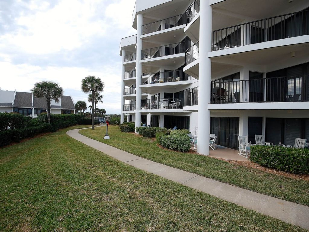 Rates Just Reduced Comfortable Ground Floor Condo Steps