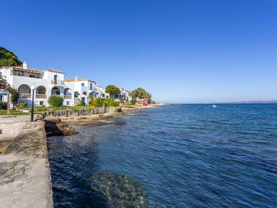 Photo for Spetses, Traditional Villa on the Waterfront