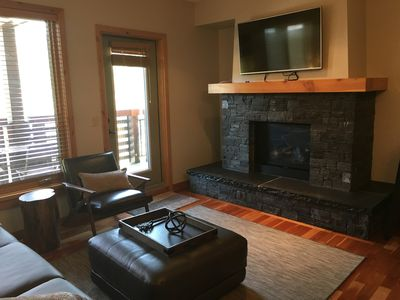Living area with gas fire place