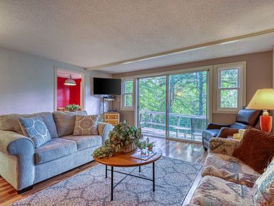 Photo for Mountain condominium w/natural light - close to ski lodge and covered balcony