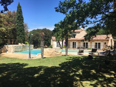 Photo for Charming villa with swimming pool in the heart of the massif Forestier d''uchaux